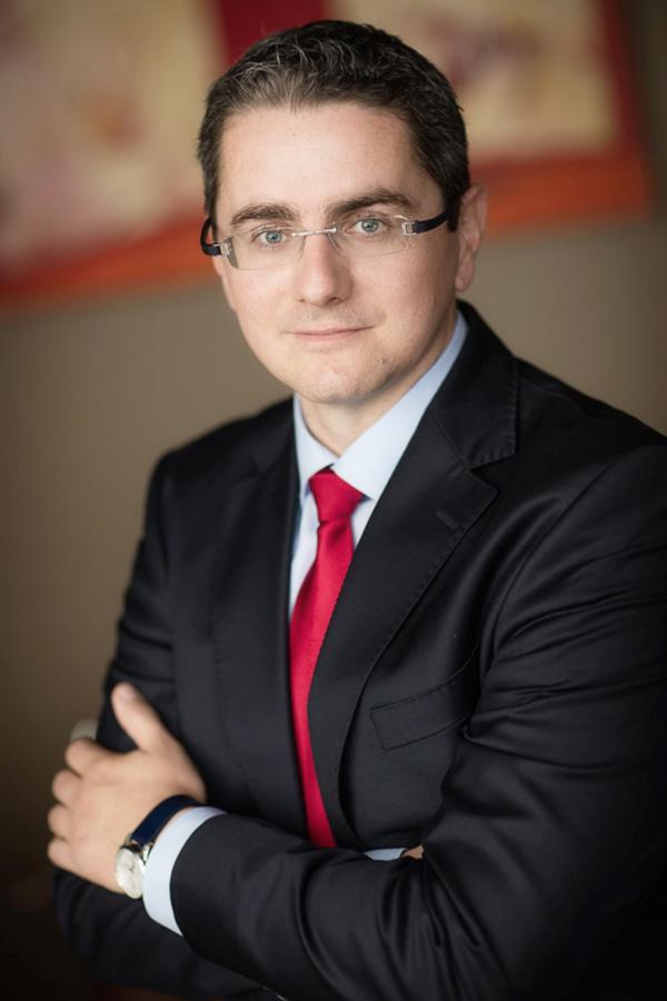 Dr. Péter Hollóssy
